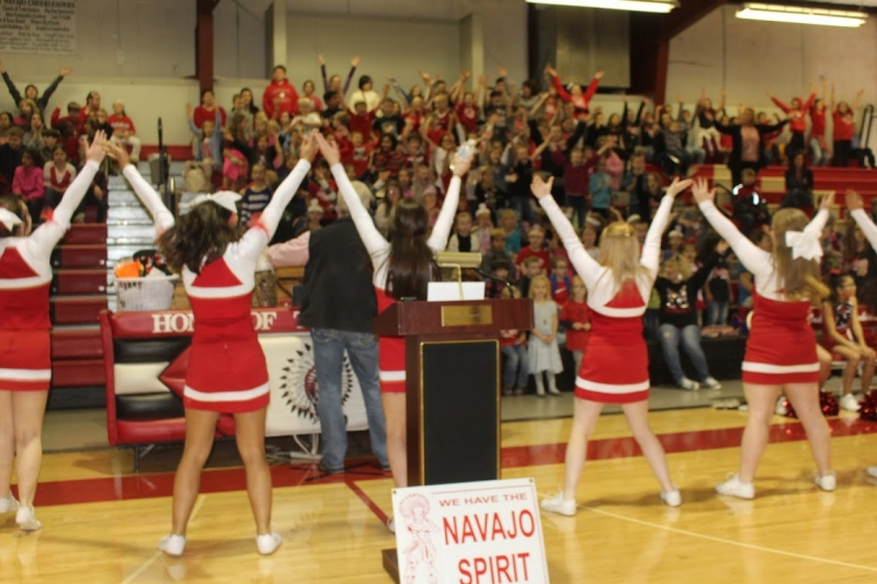Navajo Cheerleaders