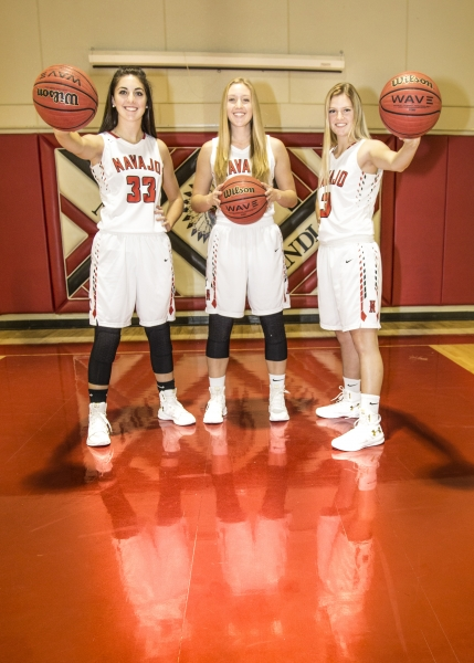 Senior-Girls-Basketball-Picture-17-18