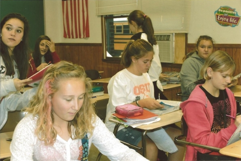 Pic2-Students-studying