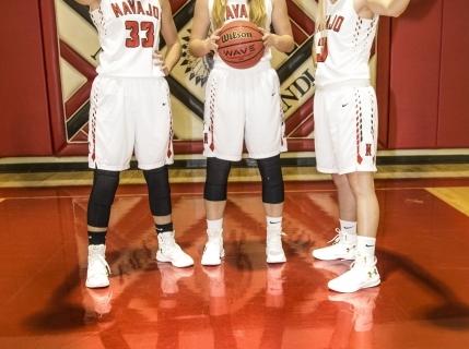 Senior-Girls-Basketball-Picture-17-18